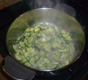 calabacin, cebolla, mejorana