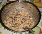 ensalada de camarones con mais, achicoria y salsa rosa